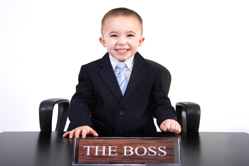 child-boss-business-suit